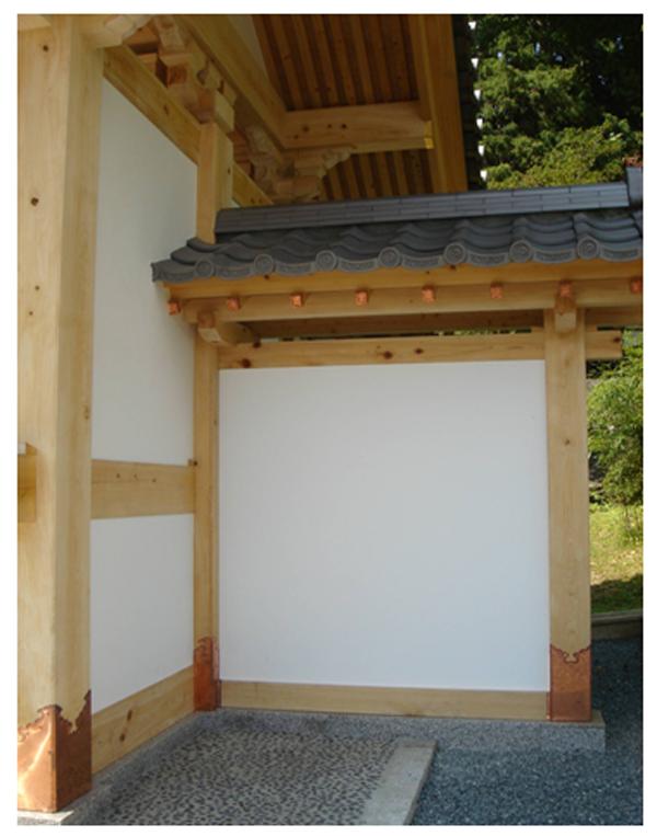 自徳寺(岩手県奥州市江刺区)山門の白壁